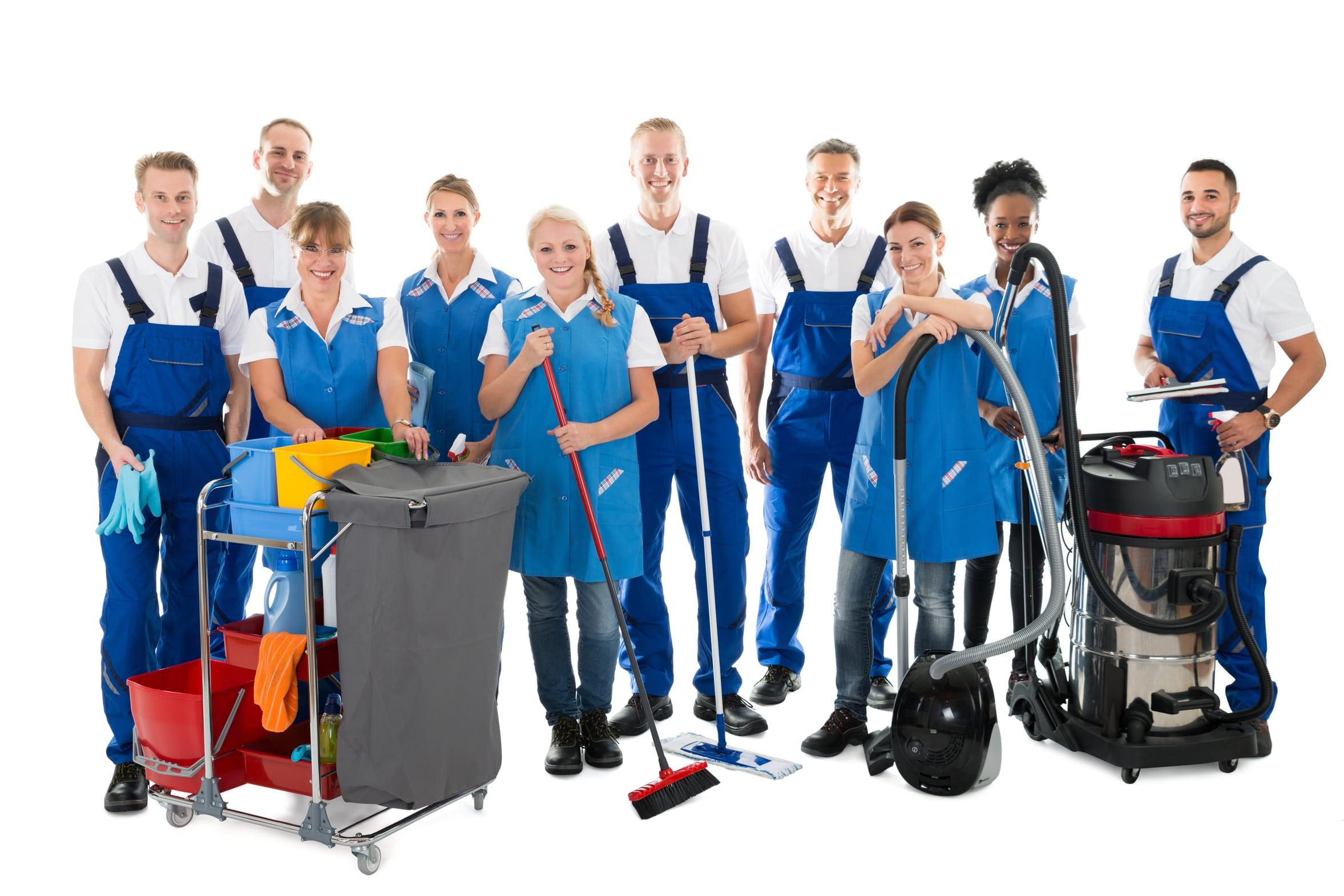 Reinigungsteam mit Ausrüstung